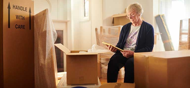 4 Ways to Help Make the Transition to Senior Living Easy